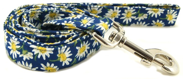 Blue Daisies Dog Leash